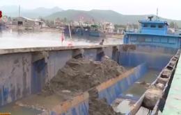 Phát hiện gần 600 tấn bùn thải chuẩn bị đổ ra biển