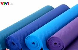 EC cảnh báo 4 nhãn hiệu thảm tập yoga chứa chất độc