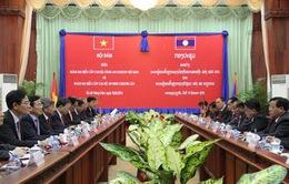 Đoàn đại biểu cấp cao Bộ Công an Việt Nam thăm Lào