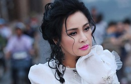 Thanh Lam khoe vẻ đẹp trẻ trung tại cầu Long Biên