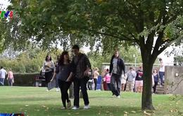 Thanh thiếu niên Anh thiếu hiểu biết về tài chính