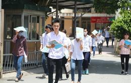 Ngày đầu tiên đăng ký xét tuyển ĐH: Thí sinh thận trọng chọn trường, ngành