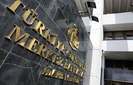 Thổ Nhĩ Kỳ tiếp tục giảm lãi suất sau đảo chính