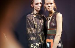 Mê mẩn những thiết kế thời trang mới nhất của Valentino