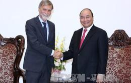Thủ tướng Nguyễn Xuân Phúc tiếp Bộ trưởng Bộ Giao thông của Italy