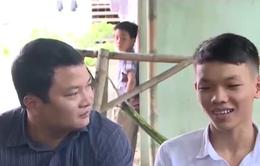 Thanh Hóa: Cha bán hàng rong nuôi con đỗ thủ khoa