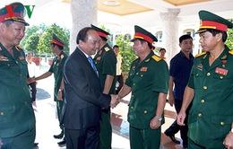 Thủ tướng thăm Quân khu 9