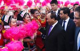 Thủ tướng Nguyễn Xuân Phúc bắt đầu chuyến thăm chính thức Trung Quốc