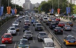 Bắc Kinh gặp khó khăn trong hạn chế người dân mua xe ô tô