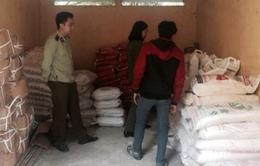 Phát hiện hơn 4 tấn phụ gia làm bim bim không rõ nguồn gốc