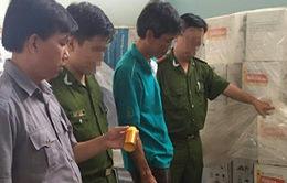 """""""Phù phép"""" hàng nghìn chai thuốc BVTV hết hạn bán cho nông dân"""