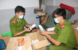 An Giang: Thu giữ hơn 2.000 sản phẩm thuốc bảo vệ thực vật bị cấm sản xuất