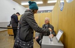 Thụy Sỹ bác bỏ luật trục xuất người nhập cư