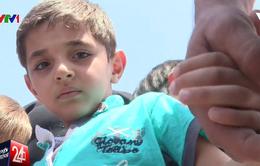 Người dân Daraya, Syria vui mừng tột cùng khi được sơ tán đến nơi an toàn