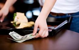 Nhận được 500 USD tiền boa dù khách hàng chỉ uống ly nước 37 cent