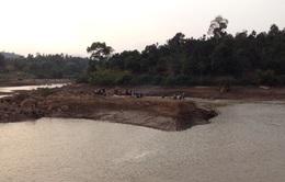 Lâm Đồng: Tìm kiếm các nạn nhân bị chìm thuyền trên hồ Đại Ninh