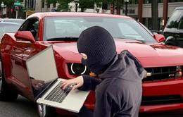 Tin tặc có thể chiếm quyền kiểm soát ô tô khi xe đang chạy