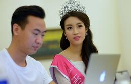 """Hoa hậu Việt Nam 2016 bác tin chỉnh răng, úp mở về khả năng """"dao kéo"""" sau này"""