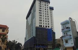 Tòa nhà 8B Lê Trực: Hoàn thành phá dỡ tầng 19