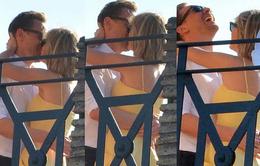 """Nhân chứng tiết lộ về độ """"tình củm"""" của Taylor Swift và Tom Hiddleston"""
