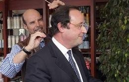 Tổng thống Pháp chi tới 10.000 Euro/tháng cho thợ cắt tóc riêng