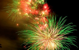 """TP.HCM: Lung linh """"bữa tiệc"""" pháo hoa mừng ngày đất nước thống nhất"""