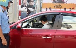 TP.HCM tăng cường kiểm tra, xử lý taxi Uber hoạt động trái quy định