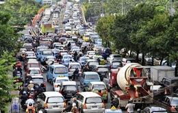 Tránh tắc đường, người dân Jakarta thay đổi lịch làm việc