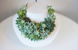 Cô dâu thỏa sức làm đẹp với bộ trang sức làm từ cây cỏ