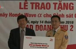Cảnh sát giao thông được trao tặng thêm 243 xe máy