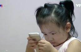 Không nên cho trẻ dưới 2 tuổi sử dụng đồ công nghệ