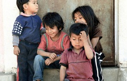 Anh xem xét tiếp nhận trẻ em di cư