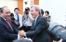 Thủ tướng gặp gỡ các chuyên gia, trí thức và doanh nhân Việt kiều