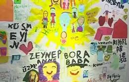 """Triển lãm nghệ thuật """"bộc bạch"""" cuộc sống khó khăn của trẻ tị nạn tại Thổ Nhĩ Kỳ"""