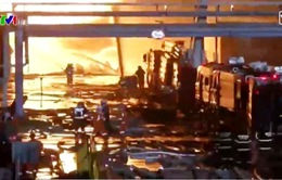 Hóa chất rò rỉ diện rộng sau vụ hỏa hoạn tại Trung Quốc