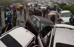 Đâm xe liên hoàn tại Trung Quốc, ít nhất 2 người thiệt mạng