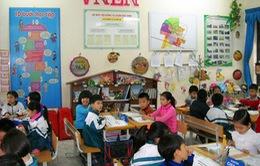 """""""Diễn"""" quá nhiều, mô hình trường học mới VNEN khiến phụ huynh phát sợ"""
