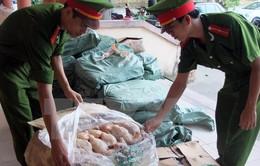 Phát hiện 450kg thịt gà đông lạnh không rõ nguồn gốc tại Quảng Trị