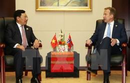 PTTg, Bộ trưởng Phạm Bình Minh gặp người đồng cấp 3 nước