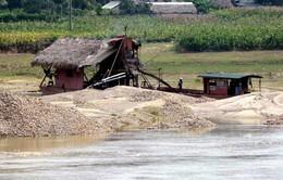 Yên Bái: Tạm ngừng khai thác cát sỏi trên sông Hồng