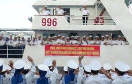 Tàu chở hàng Tết đến với quần đảo Trường Sa