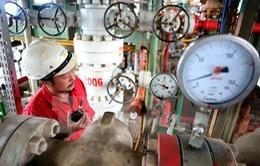 VIETSOPETRO đề xuất cắt giảm nhân sự và đóng cửa một số mỏ dầu