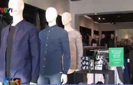 Các nhà thời trang bán lẻ tại Mỹ bận rộn mùa tựu trường