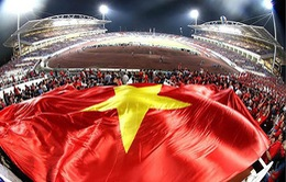 Niềm tự hào lá cờ Tổ quốc trên sân cỏ