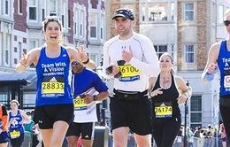 Ứng dụng giúp VĐV khiếm thị tham gia marathon cự ly dài qua sa mạc