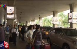 Xử phạt ô tô đỗ quá 3 phút tại sảnh sân bay Tân Sơn Nhất