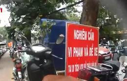 """Chủ bãi xe ở Hà Nội: """"Có sừng"""" mới được... trông giữ xe"""