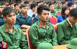 Hà Nội: Gặp gỡ hơn 400 thanh niên tiêu biểu, tình nguyện lên đường nhập ngũ