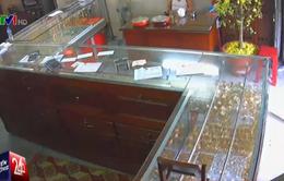 TP.HCM: Các chủ tiệm vàng vùng ven nơm nớp nỗi lo bị cướp