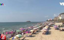 Vũng Tàu: Hơn 1.000 người tham ra làm sạch bãi biển